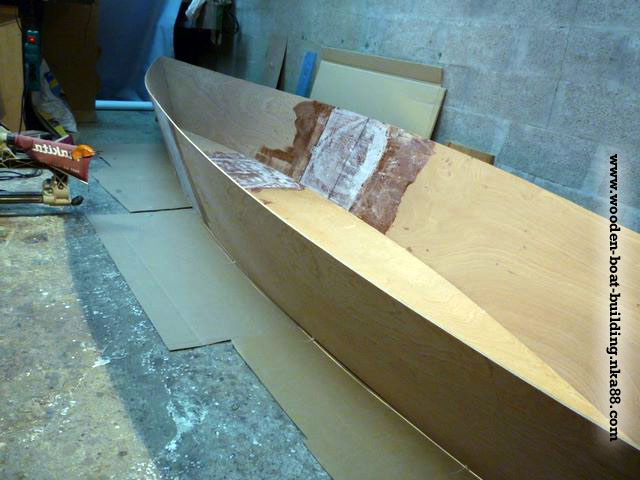 wooden-boat-building-guide-403-stich-and-glue-homebuild-boat_xs.jpg