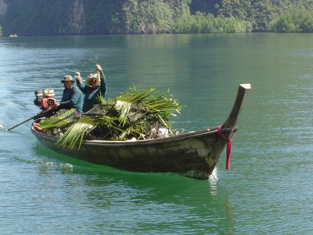 Beautiful wooden boat the thailand longtail boat diy for Build fishing boat